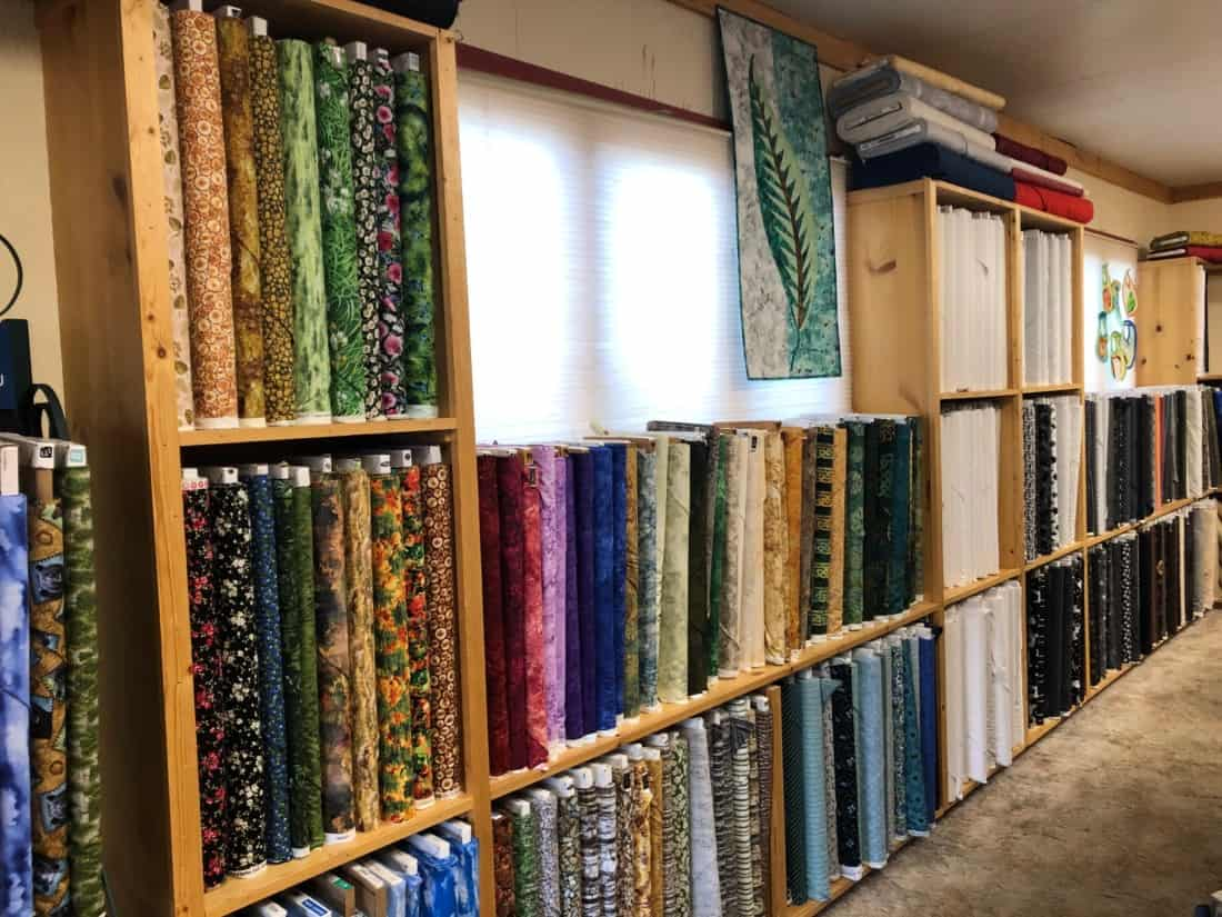 Cabin Quilts & Stitches